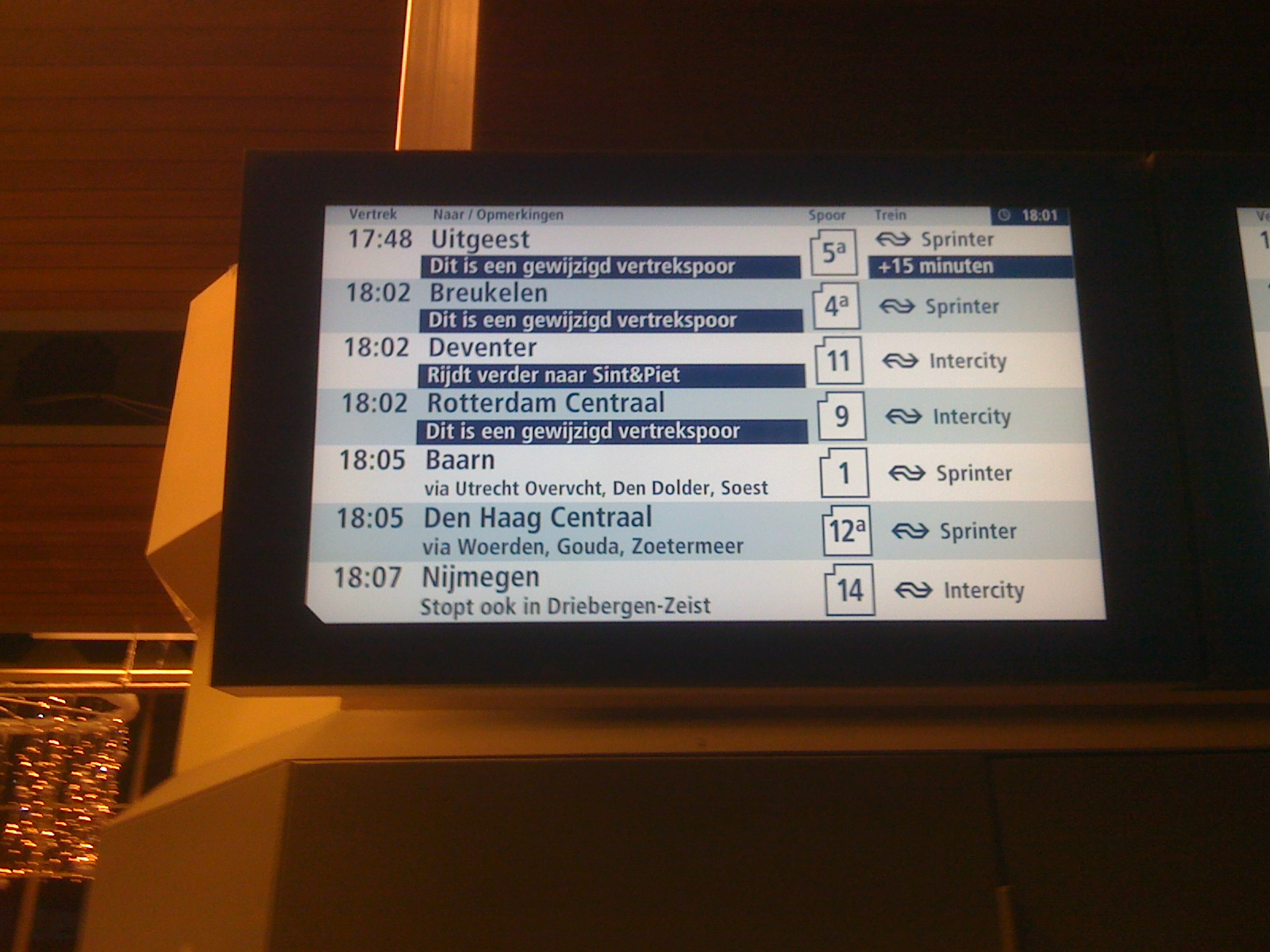 ns infobord Utrecht centraal