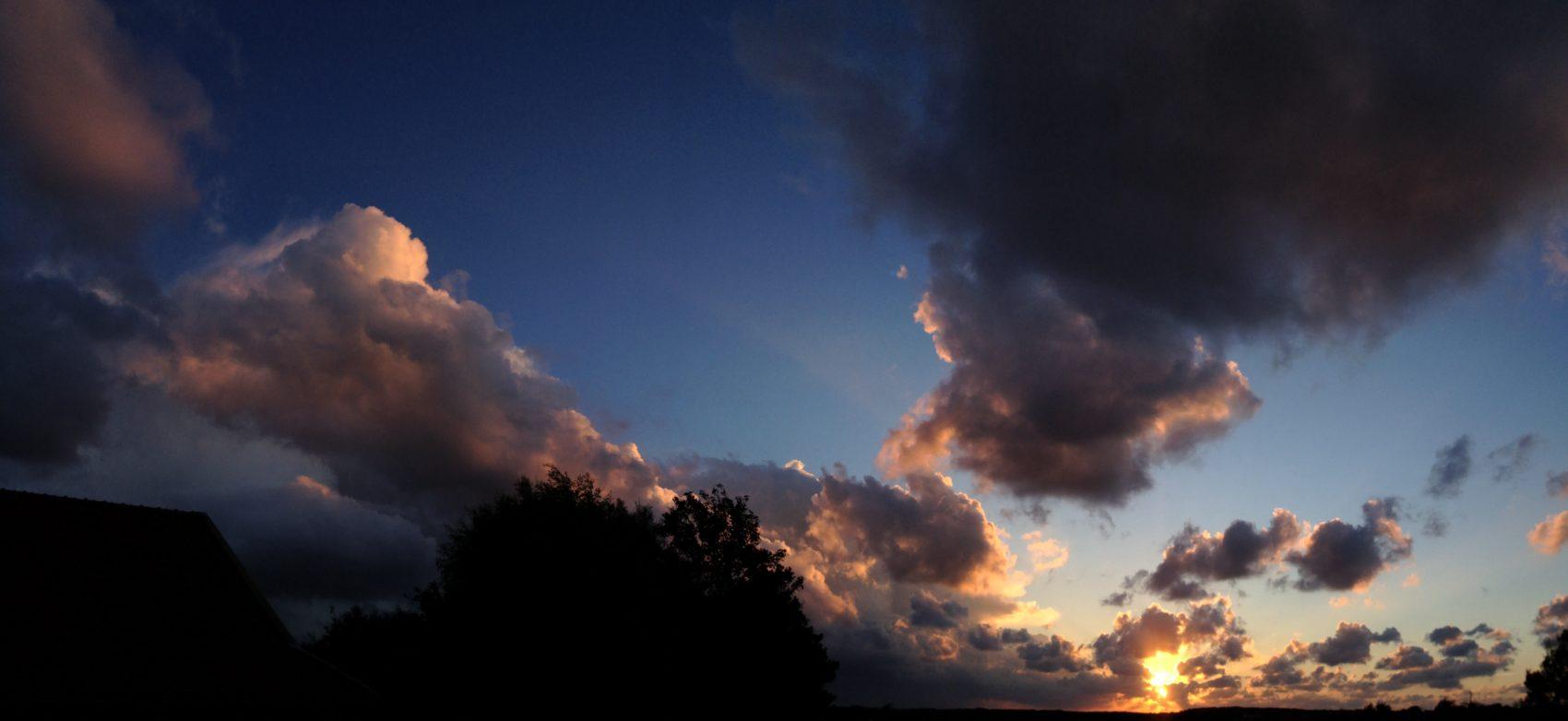 Zonsondergang over de Tónne Dunen